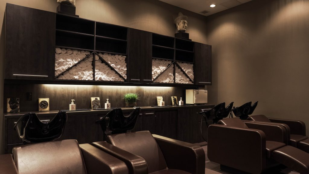 Hair Salon Mississauga close to Burlington and Oakville hair relax wash room